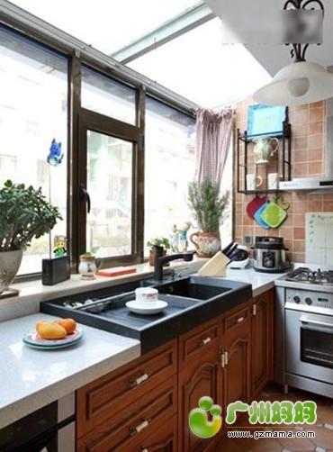空间/实用省空间教你3招厨房收纳搭配法