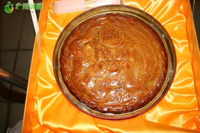 广东湛江吴川金九月饼厂生产的伍仁金腿2斤装 4斤 6斤大饼